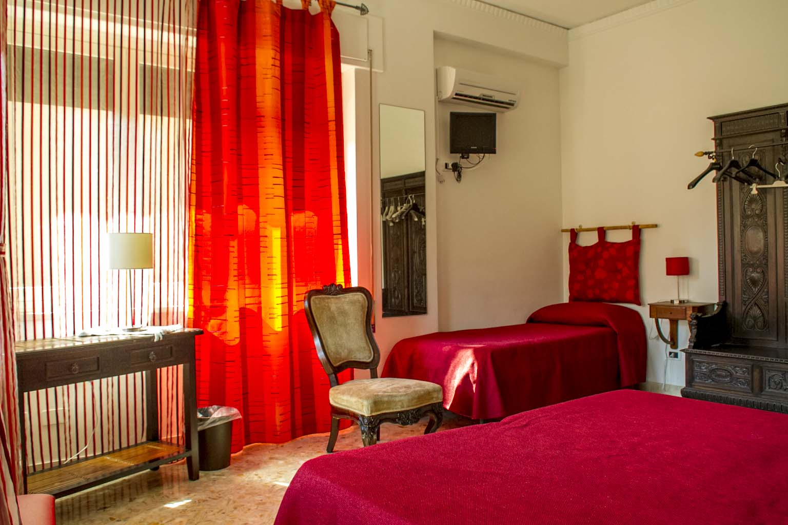 Camera Letto Bordeaux : Amélie bed and breakfast camera bordeaux